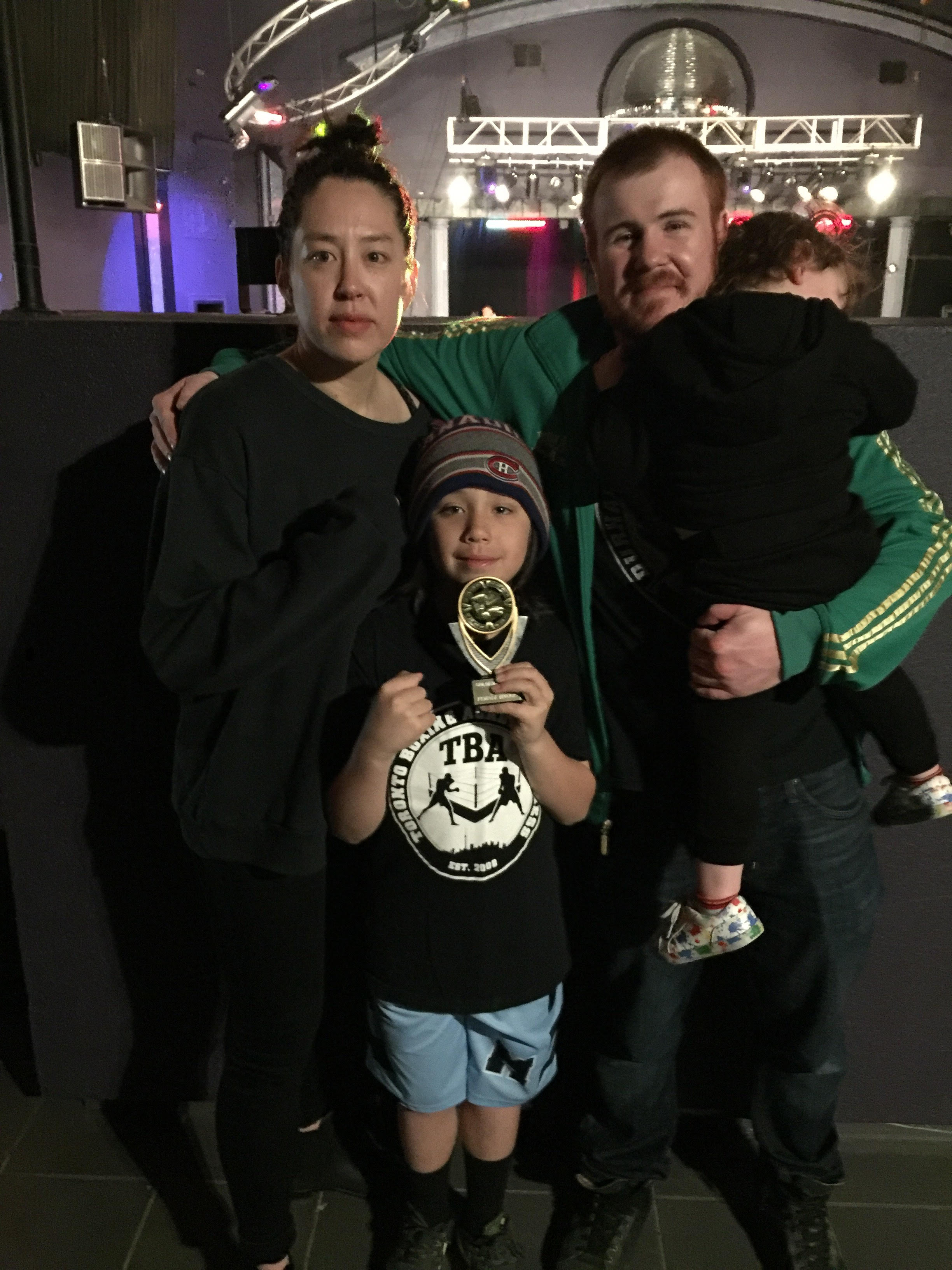 Sarah Lo brings home another undisputed Golden Gloves 2017 victory.